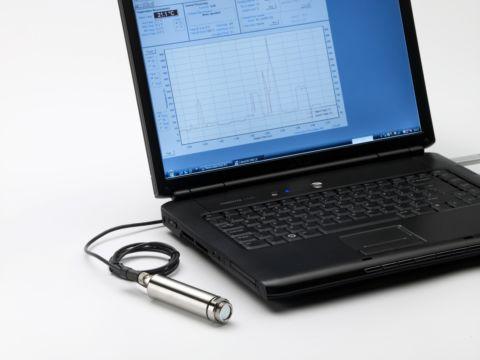 Thermomètre infrarouge de process 8-14 µm, émissivité et gamme de T° réglables par PC